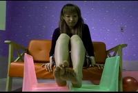 【足裏ふぇち】夏目ゆい(23)足のサイズ22.5cm★お手入れしても臭っちゃう★足裏を見せる女★④